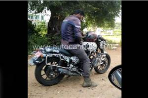 Mystery new Royal Enfield spotted; Jawa Forty Two rival?