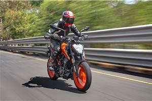 2020 KTM 200 Duke review, track ride