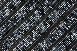 Chinese car sales down by 92 percent in first half of February