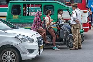 Karnataka Police bans all vehicles until April 14