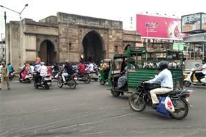 Ahmedabad police ban vehicles to ensure Coronavirus lockdown is effective