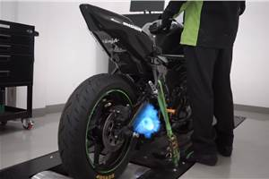 Upcoming Kawasaki Ninja ZX-25R teased with Yoshimura exhaust