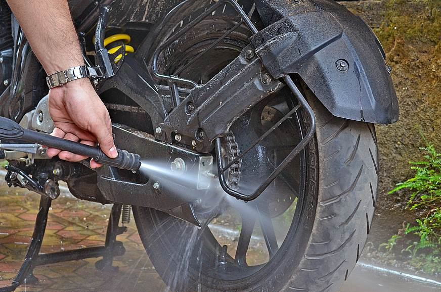 How to correctly clean and lube your chain