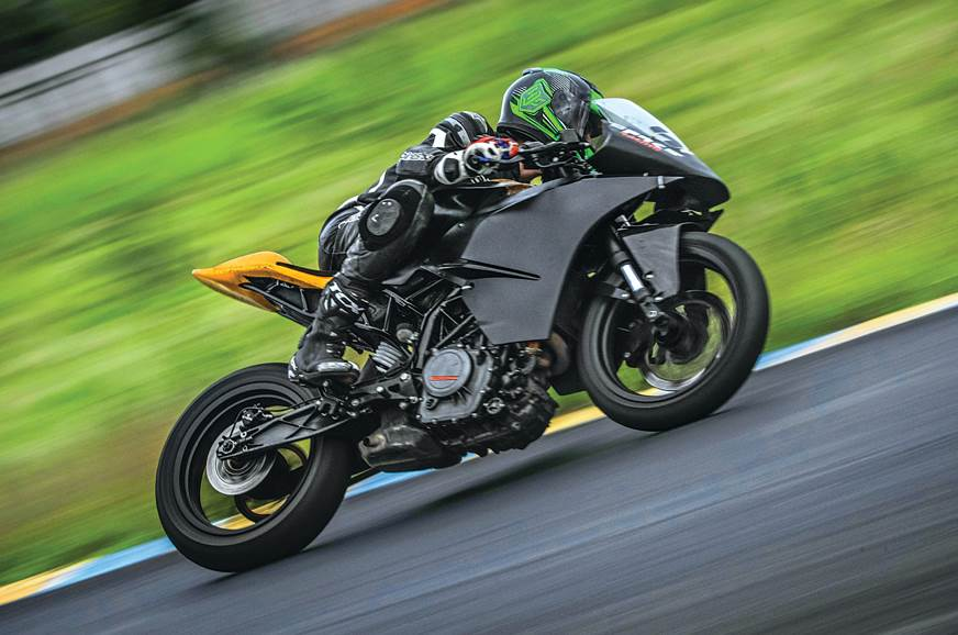Race-spec KTM RC 390 ride experience