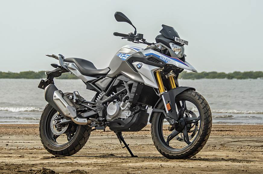 The large dimensions of the G 310 GS are a boon for tall riders.