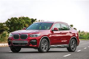 Choosing between the Jaguar F-pace and the BMW X4 20d