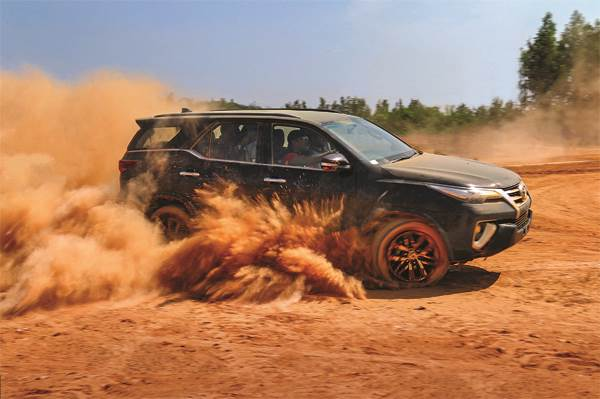 Toyota Fortuner off-road experience