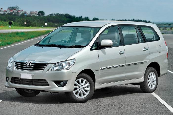 Toyota Innova vs Mahindra XUV500