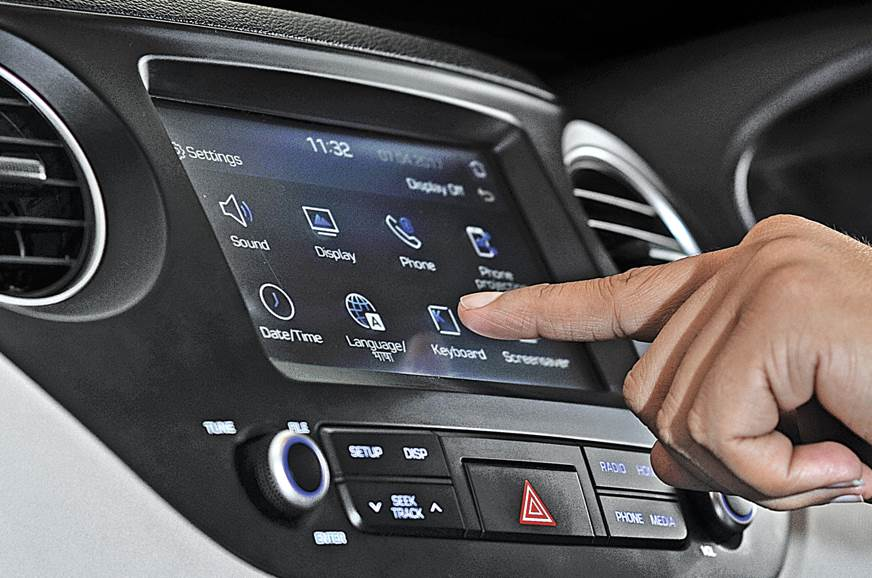 All about car touchscreen systems