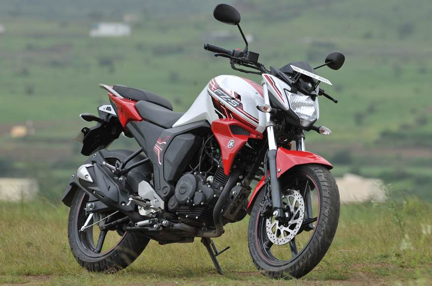 Honda Hornet 160R or Yamaha FZ Version 2.0