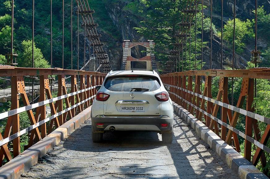 Renault Captur bridge