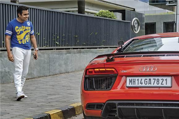 Uber driver Audi R8