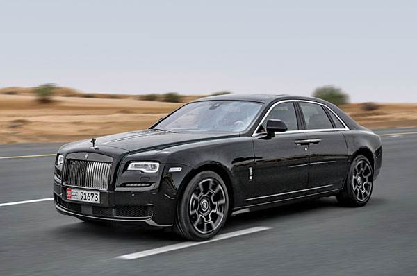 Rolls-Royce Black Badge: The lady wears black