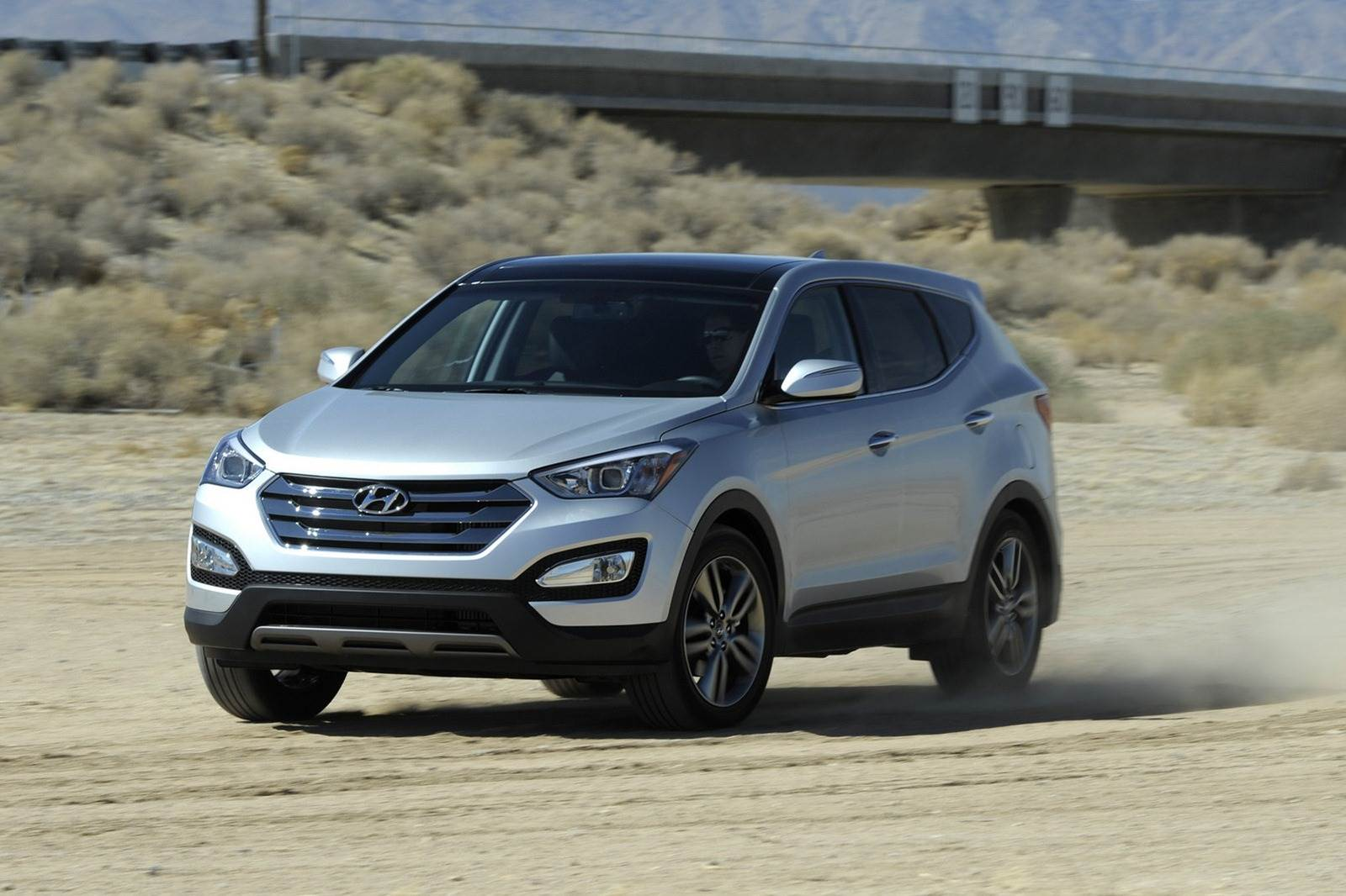 New Hyundai Santa Fe photo gallery