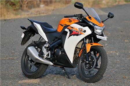 Honda CBR150R image gallery