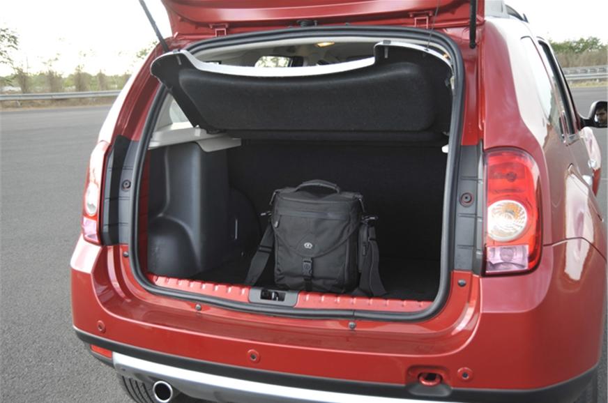renault duster photos duster interior exterior image gallery autocar india autocar india. Black Bedroom Furniture Sets. Home Design Ideas