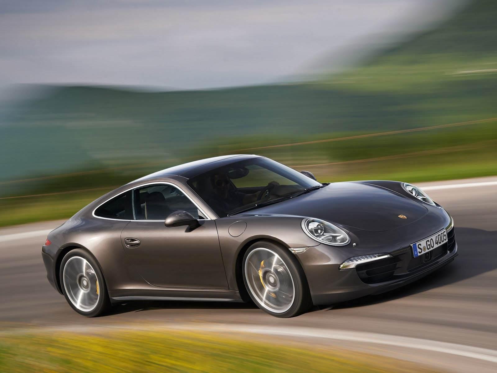 New Porsche 911 Carerra 4