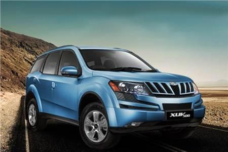 Mahindra XUV500 Arctic blue