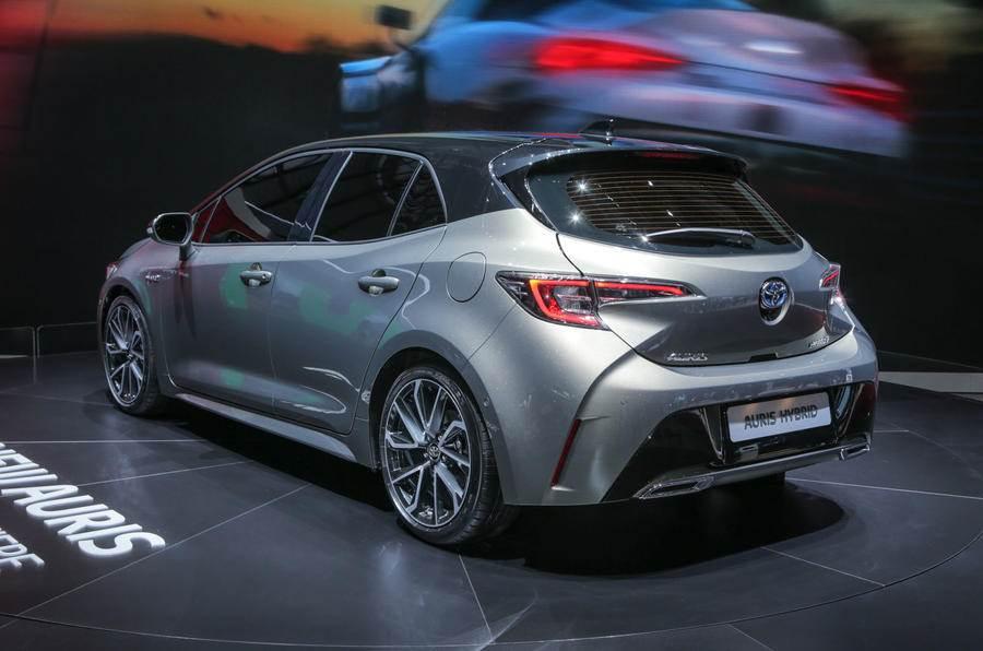 New Toyota Auris hybrid image gallery
