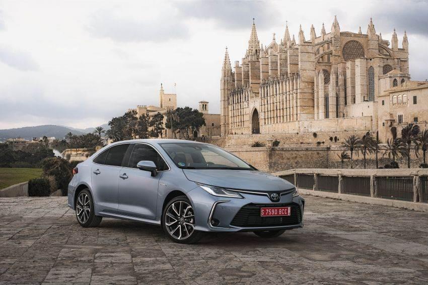 2020 Toyota Corolla image gallery