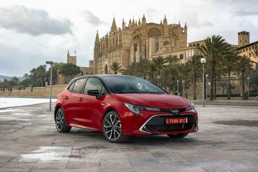 New Toyota Corolla hatchback image gallery