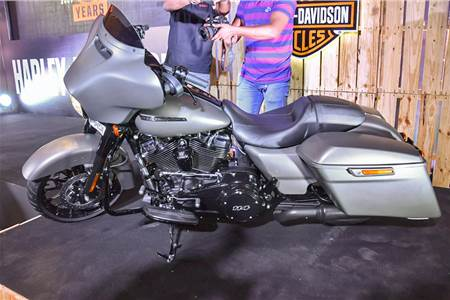 2019 Harley-Davidson Street Glide Special image gallery