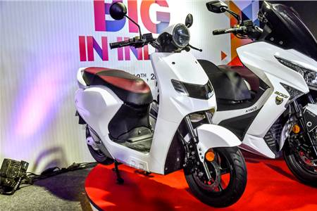 22 KYMCO iFlow electric scooter image gallery