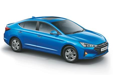 2019 Hyundai Elantra image gallery