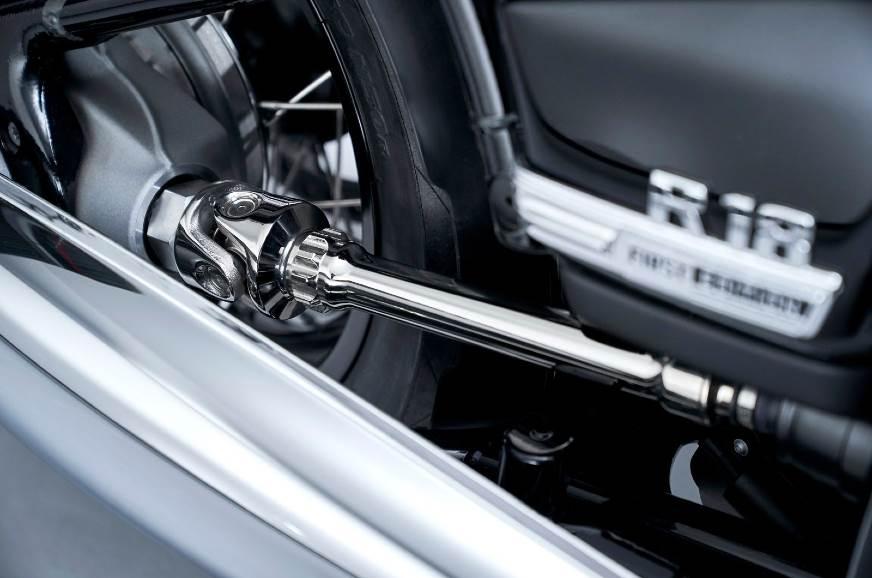 BMW-R18-driveshaft