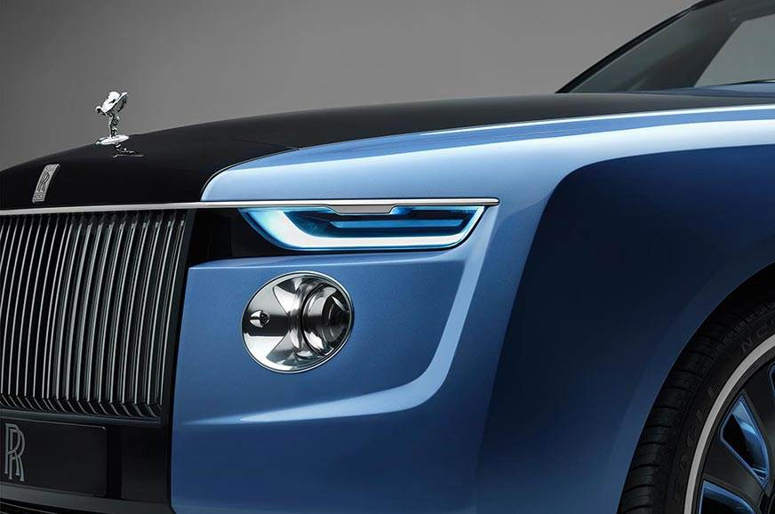 ImageResizer.ashx?n=http%3a%2f%2fcdni.autocarindia.com%2fNews%2fRolls Royce Boat Tail Front Corner Detail