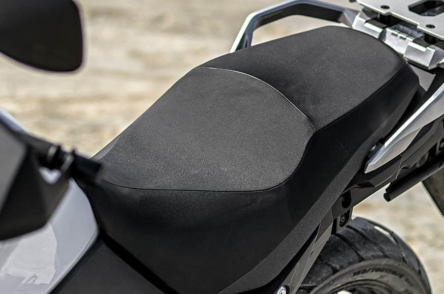 2018 Suzuki V-Strom 650XT seat