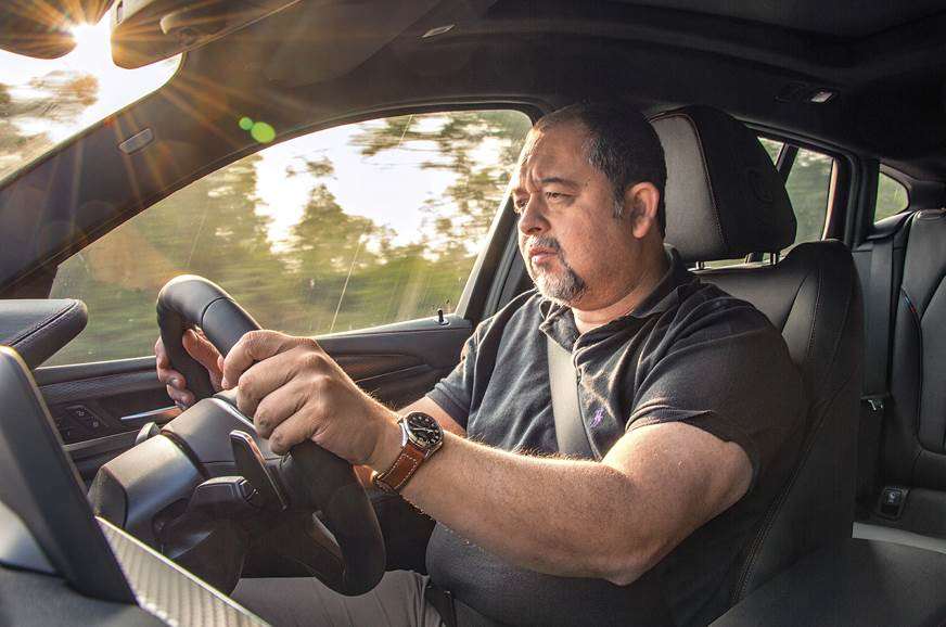 2019 BMW X4 Shapur driving