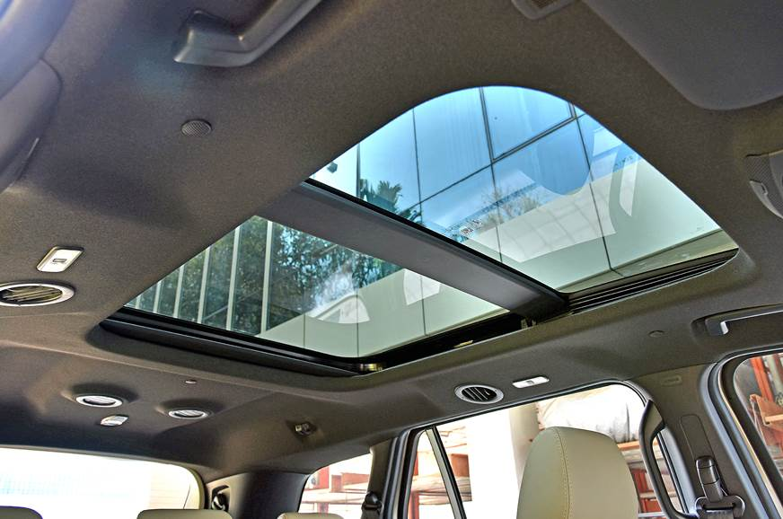 2019 Ford Endeavour facelift sunroof