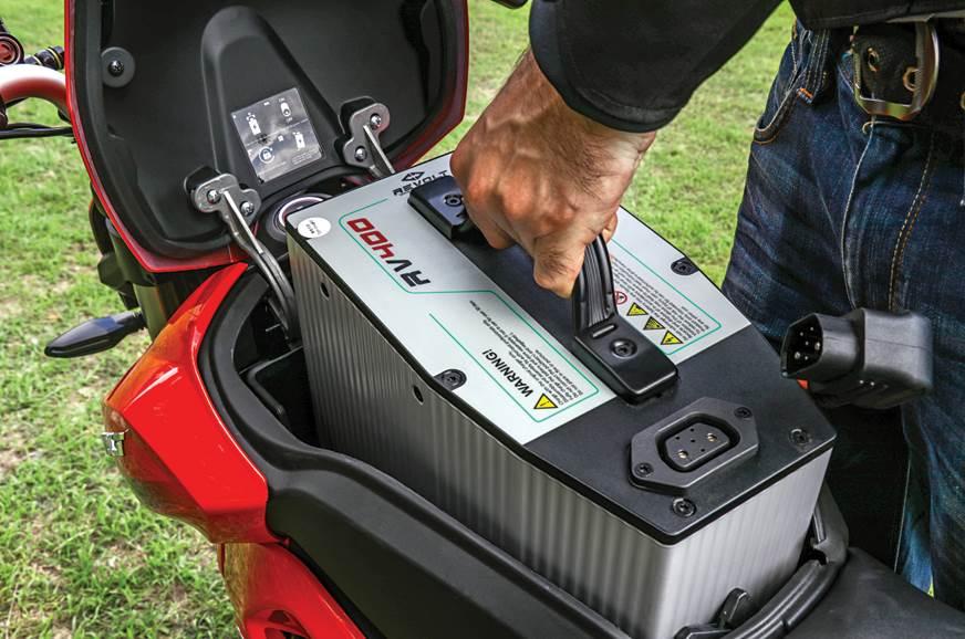 Revolt-RV400-battery