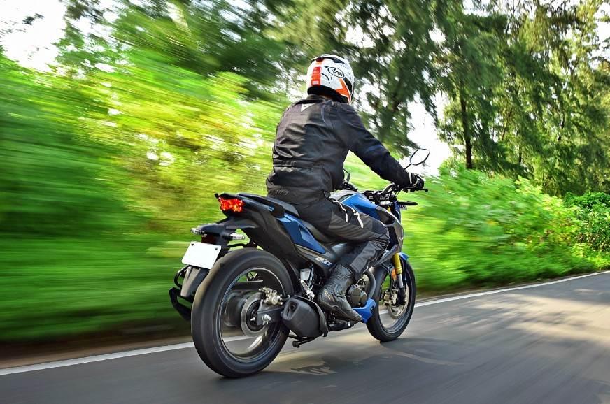 2020-Honda-Hornet-rear