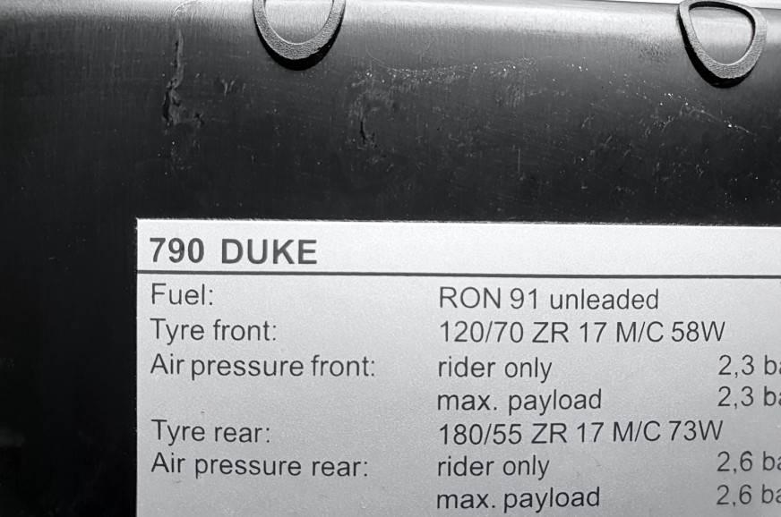 KTM-790-Duke-fuel-rating