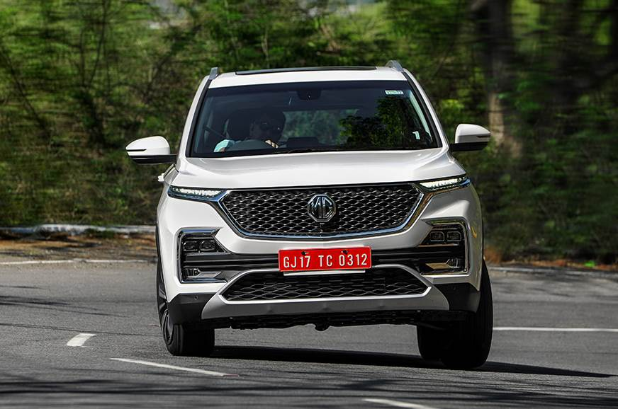 MG Hector front action