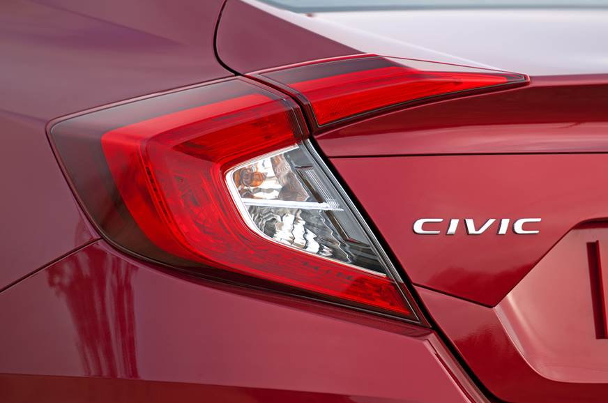 2019 Honda Civic tail-lamp