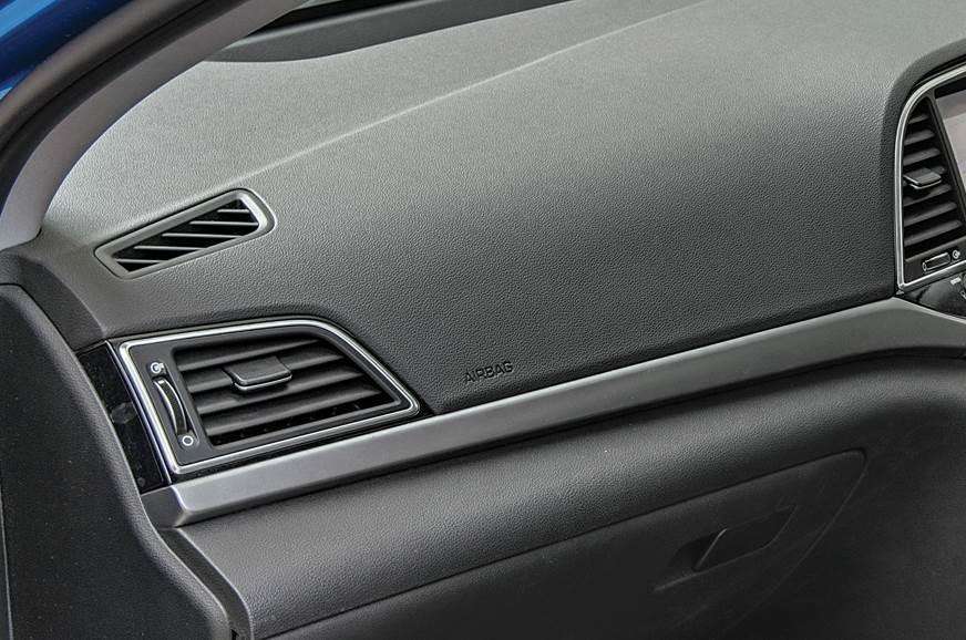 Hyundai Elantra dashboard