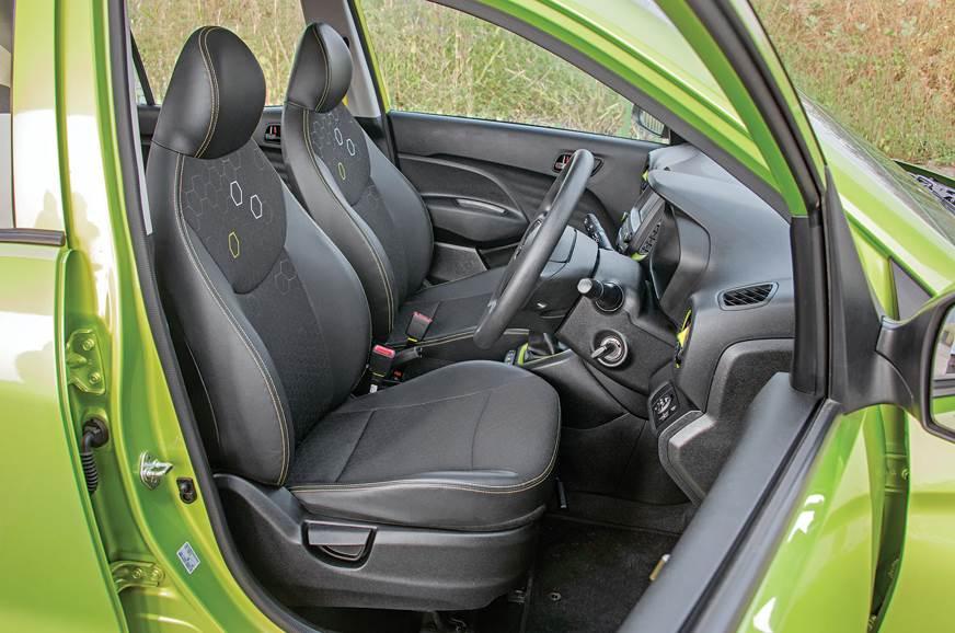 Hyundai Santro front seats