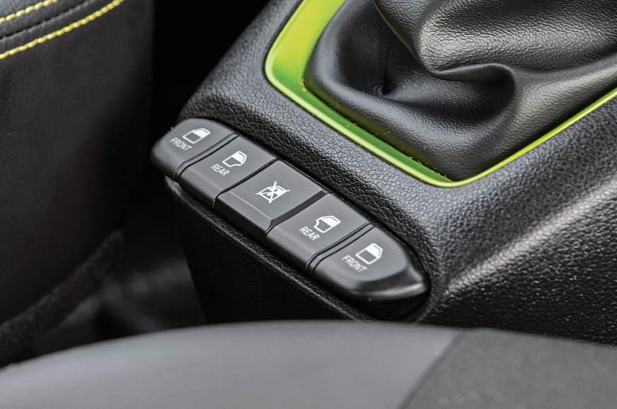 Hyundai Santro power window switches