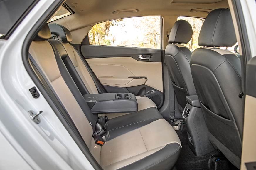 Hyundai Verna rear seats