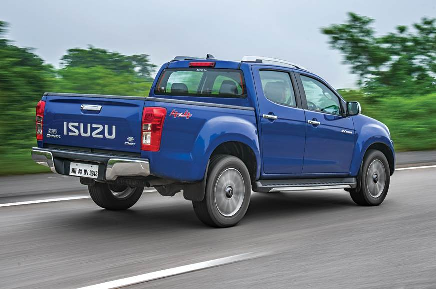 Isuzu D-Max V-Cross automatic rear action