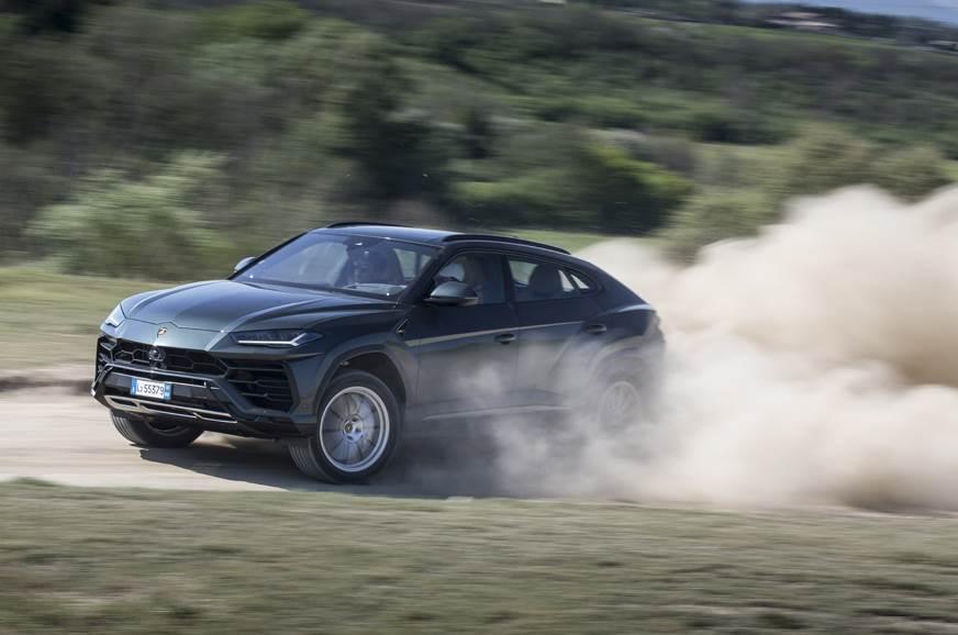 Lamborghini Urus off road