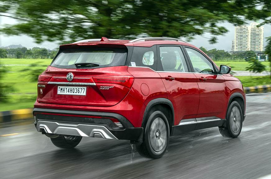 MG Hector petrol-automatic rear action