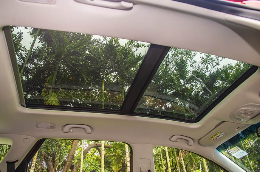 MG Hector petrol-automatic red sunroof