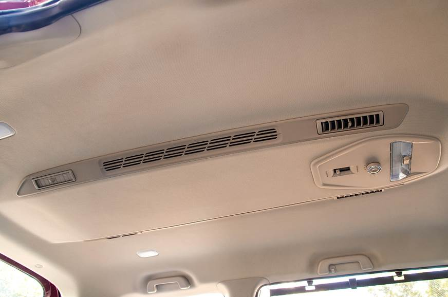 Mahindra Marazzo rear AC vents