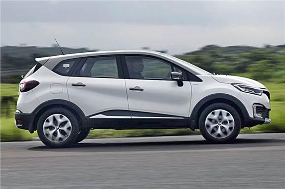 Renault Captur action side