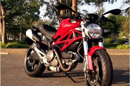 Ducati Monster 795 video review