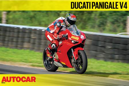 HOT LAP: Ducati Panigale V4 Autocar India Track Day 2019 video